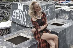 #bymajasablewskacollection dla @diversesystem Koszula z paskiem w kratkę…