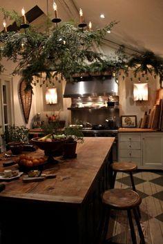 Irish cottage kitchen - creative home and interiors Deco Champetre, Casa Loft, Deco Design, Cozy House, Home Kitchens, Cottage Kitchens, Kitchen Remodel, Diy Home Decor, Warm Home Decor