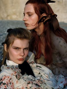 Wuthering Hights: Julia Banas & Alexandra Elizabeth by Yelena Yemchuk for Vogue China october 2016 #friendship