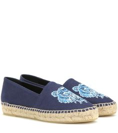 Showcase your love for Kenzo with the label's embroidered espadrilles.  Crafted in Spain, this style features a durable blue upper and a comfortable,  ...