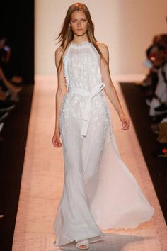 Well yesterday was the kickoff to the best week of the year, New York Fashion Week! Designers ascend onto New York City to show their . Runway Fashion 2015, Fashion Week 2015, Spring Fashion, Fashion Show, High Fashion, Herve Leger Dress, Resort Dresses, Bcbgmaxazria Dresses, Embellished Dress