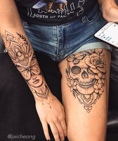 """@tattoo4em on Instagram: """"🖤🖤 Follow @tattoo4em 💡 C @jaicheong ⚊⚊⚊⚊⚊⚊⚊⚊⚊⚊⚊⚊⚊⚊⚊⚊⚊ #inkedtattoo #tattooedgirls #tattoo #tattoos #inked #artoftattoos #fitnesstat…"""" Skull Thigh Tattoos, Girl Leg Tattoos, Sleeve Tattoos For Women, Love Tattoos, Beautiful Tattoos, Body Art Tattoos, Tattoos For Guys, Thigh Tattoos For Women, Floral Skull Tattoos"""