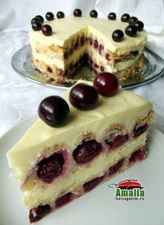 Cum se face cel mai bun tort cu fructe si crema de vanilie Best Cake Flavours, Cake Flavors, Romanian Desserts, Romanian Food, Dessert Bread, Pastry Cake, Easy Cake Recipes, Desert Recipes, Creative Food