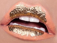 amazing lips - love the gold!  #xoxoeddie