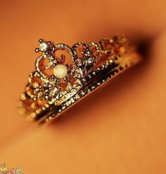 I don't know how or where to find this exact ring for sale, but I want it!