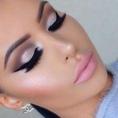 Maquíllate en tonos rosas, nunca puedes estar fuera de moda #Pink #Makeup #Maquillaje #Rosa #Eyes #Lips