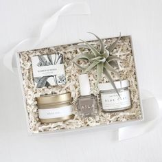 Petite Spa Box - Foxblossom Co. Diy Gifts For Mom, Gifts For New Moms, Homemade Gifts, Spa Box, Relaxation Gifts, Personalized Bridesmaid Gifts, Coffee Gifts, Spa Gifts, Romantic Gifts