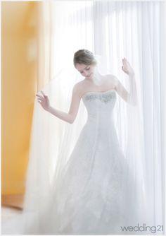[웨딩드레스] 가장 아름다운 신부를 위한 특별한 드레스, 리안마리 < 웨딩뉴스 < 웨딩검색 웨프
