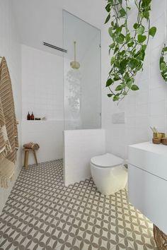 20 Surpirising Apartment Bathroom Renovation Design Ideas To Try Asap Diy Bathroom, Ensuite Bathrooms, Bathroom Layout, Modern Bathroom Design, Bathroom Interior Design, Bathroom Renovations, Bathroom Ideas, Remodel Bathroom, Bathroom Cabinets