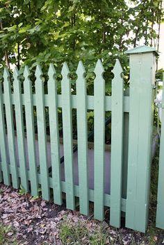 Fence Gate Design, Privacy Fence Designs, Fence Landscaping, Backyard Fences, Garden Gates And Fencing, Permaculture Design, White Picket Fence, Garden Trellis, Garden Cottage