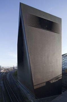 Signal Box :: Herzog & de Meuron. Basel, Switzerland