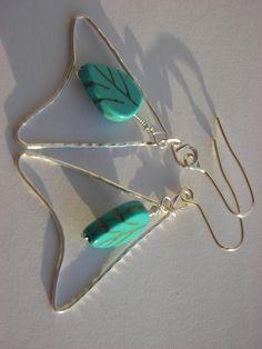 wire earings/ cercei magnesite frunzulite (20 LEI la AtelierDanuta.breslo.ro)