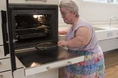 Side opening oven with pull out worktop makes loading/unloading the oven convenient and safe.