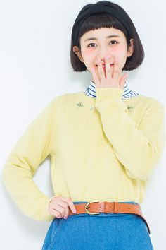 on the couch(オンザカウチ)【三戸なつめチャン着用】ビジュー付ニットプルオーバー