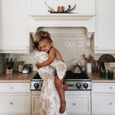 saturday morning snuggles feeling extra happy because the hubby is now on holidays & in just a couple days we will be on the road exploring… Cute Family, Baby Family, Family Goals, Family Life, Cute Kids, Cute Babies, Future Mom, Baby Kind, Trendy Baby