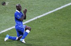 Italy's Balotelli gestures during their Euro 2012 quarter-final soccer match against England at the Olympic stadium in Kiev. MICHAEL DALDER/REUTERS