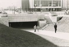 Doorgang van Promenade naar het Loon in 1972 nog zonder fonteinen!