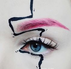 A in Fashion Design and her certification in makeup art, Ida combines her formal training and sense of imagination to create vogue looks Make Up Art, Eye Make Up, Skin Makeup, Beauty Makeup, Makeup Salon, Makeup Studio, Make Up Inspiration, Runway Makeup, Fantasy Makeup