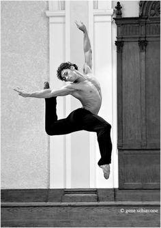 Ivan Vasiliev in rehearsal...
