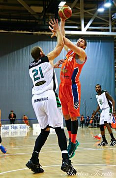 Southland Sharks' Brian Conklin, in the game against Manawatu Jets at Stadium Southland.  June 07, 2014.   Sharks won 91-83.