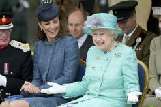 Kate and the Queen share a giggle as Duke and Duchess of Cambridge join Jubilee walkabout - UK - News - Evening Standard