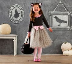 Shop Pottery Barn Kids for all your Halloween accessory and Halloween decoration needs. Our Halloween collection includes costumes, decorations and more! Halloween 2018, Original Halloween Costumes, Diy Halloween Costumes For Kids, Halloween Cat, Cat Costume Kids, Halloween Tricks, Happy Halloween, Costumes Avec Tutu, Costume Chat
