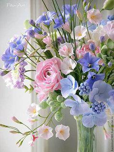 Bouquet of mixed flowers Beautiful Bouquet Of Flowers, Beautiful Flower Arrangements, Fresh Flowers, Spring Flowers, Beautiful Flowers, Wedding Flowers, Pastel Flowers, Beautiful Pictures, Arrangements Ikebana