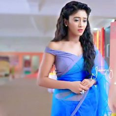 Shades of #naira from yesterday's episode.. Ps- I m in love wid this look of her's and especially the saree..I want one  @shivangijoshi18 U r looking drop dead gorgeous..Everything is just perfect..Makeup,eyes,hair,lipstick shade,saree...Etc etc.. . #kaira #kaira❤️ #500epiofkaira ____________________________________________ #Shivangians #ShivangianForever  #ShivangiJoshi ❤️ #Inspiration #Queen #Doll #Love #FemaleCrushForever  @shivangijoshi18 @khan_mohsinkhan @yashoda.joshi.33 @vyasbhavna...