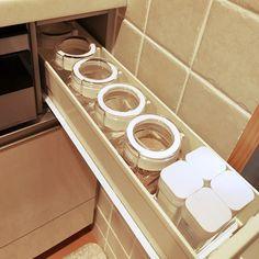 Kitchen/スパイスボトル/収納見直し中(๑•̀ㅂ•́)و✧/シンデレラフィット/フレッシュロック 白パッキン/プルアウトボックスミニのインテリア実例 - 2018-10-23 13:53:53 | RoomClip (ルームクリップ) Stove, Organization, Organizing, Bedroom Decor, Kitchen Appliances, Rooms, Getting Organized, Diy Kitchen Appliances, Bedrooms