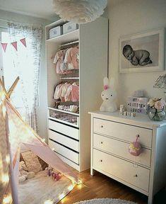 23 Sweet Baby Girl Room Ideas which Will make baby sleeping comfortable Kinderzimmer Deko Baby Room Ideas Baby Room Closet, Baby Bedroom, Baby Room Decor, Nursery Room, Girls Bedroom, Bedroom Decor, Bedroom Wall, King Bedroom, Room Baby