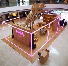 Coach opens anniversary pop-up in Hong Kong at IFC Kiosk Design, Retail Design, Store Design, Trade Show Design, Pop Design, Mall Kiosk, Interactive Exhibition, Exhibition Booth Design, Pop Up Shops