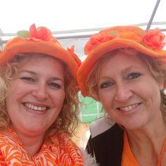"""Bibi Grime vandaag weer gezellig op pad geweest bij het """"oranje"""" feest in Abbenes!!! Super dank Nancy Veefkind!!!"""