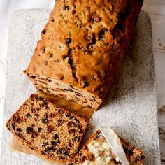 Tea Bread Pre-soaking gives you fruit that is plump, juicy and bursting with flavour for this delicious fruit loaf recipe Fruit Loaf Recipe, Loaf Recipes, Best Cake Recipes, Sweet Recipes, Baking Recipes, Fruit Recipes, Farmhouse Fruit Cake Recipe, English Fruit Cake Recipe, Light Fruit Cake Recipe