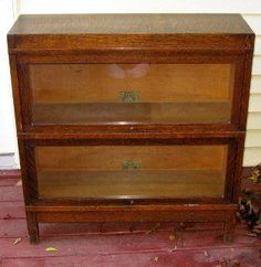 Globe Wernicke Quartersawn Tiger Oak Lawyer's Barrister Bookcase