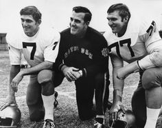 Friends, family celebrate life of Notre Dame legend Ara Parseghian Notre Dame Football, College Football Players, Football Quotes, Oregon Ducks Football, Ohio State Football, Alabama Football, Football Jerseys, American Football, Norte