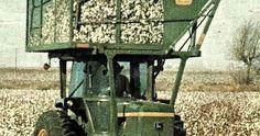 John Deere 4430 W/Mounted Cotton Picker Antique Tractors, Vintage Tractors, Vintage Farm, John Deere Equipment, Old Farm Equipment, Heavy Equipment, Champs, Old John Deere Tractors, Cat Farm