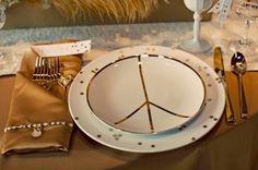 Hippie Hochzeit mit Gold, Punkten und Peace Zeichen | Friedatheres