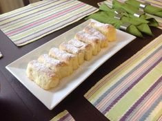 České buchty • recept • bonvivani.sk Hot Dog Buns, Food And Drink, Bread, Cheese, Recipes, Kochen, Breads, Baking, Sandwich Loaf