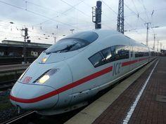 Rynek budownictwa kolejowego w 2015 r. przekroczy 6 mld zł -   Wraz z nowym budżetem unijnym, rynek budownictwa kolejowego w Polsce staje przed nowymi wyzwaniami. Wprawdzie PKP PLK nie uporały się jeszcze ze wszystkimi projektami z poprzedniego budżetu, jednak nieubłaganie zbliża się moment, w którym trzeba rozpocząć z większą dynamiką akcję przetargową dla... http://ceo.com.pl/rynek-budownictwa-kolejowego-2015-przekroczy-mld-47303