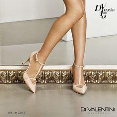 Clássico e super feminino o Scarpin de cor nude da Di Valentini é puro glamour! ✨  #divalentini #diva #love #shoes #summer #moda #mulheres
