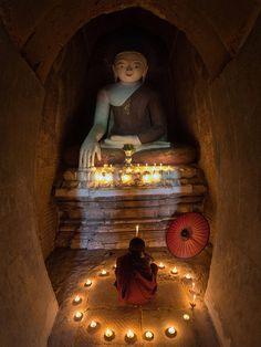 Faithful of Novice (Myanmar) by Sarawut Intarob - Photo 134376419 - Lotus Buddha, Art Buddha, Buddha Zen, Buddhist Monk, Buddhist Temple, Buddhist Art, Buddhist Prayer, Meditation Altar, Meditation Music