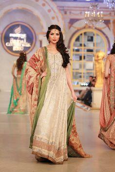 Ayesha Somaya - Pakistani Bridal Fashion PBCW 2013 Lahore