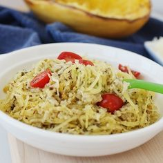 spaghetti squash recipe with cheese and pesto Spaghetti Squash Nutrition, Spaghetti Squash Lasagna, Cheesy Spaghetti, Spaghetti Squash Recipes, Calorie Dense Foods, Baked Squash, Good Healthy Recipes, Keto Recipes