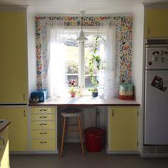 Farfars kök hade oxå dessa gula skåpluckor