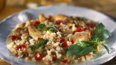 El risotto es un plato que tiene como ingrediente protagonista al arroz. Se dice que su origen se localiza en la zona noroeste de Italia, concretamente en Piamonte y Lombardía, donde la presencia de cultivos de arroz es muy abundante.