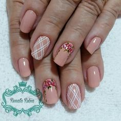 Unhas divinas para inspirar o seu dia Love Nails, Pretty Nails, Fun Nails, Fingernail Designs, Nail Art Designs, Romantic Nails, Finger Nail Art, Nail Jewelry, Acrylic Gel