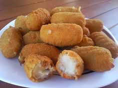 Varomeando: Croquetas de queso Tapas, Cuban Recipes, Desert Recipes, I Want Food, Love Food, Venezuelan Food, Spanish Dishes, Biscuits, My Best Recipe
