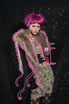 Jon Burgerman/Kirsten Becken: Lucy in the Sky with Diamonds.