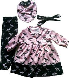 Jurkje, broekje, haarband en bandana-slab van roze en zwarte tricot met hertjes