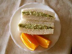 ささ身とアボカドのサンドイッチ